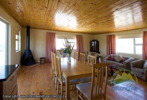 Ursinia Lodge